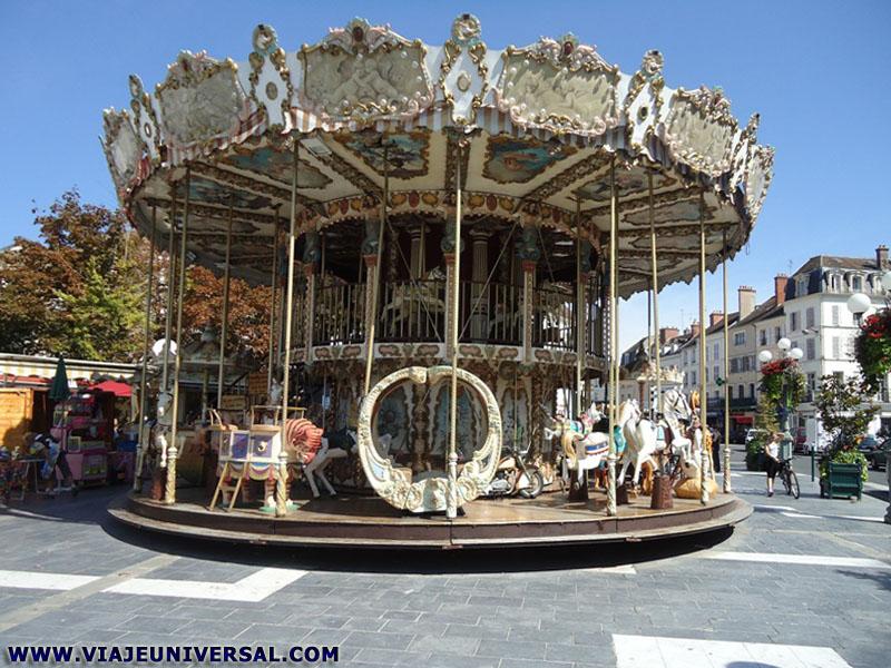 Ciudad fontainebleau en francia for Piscine fontainebleau