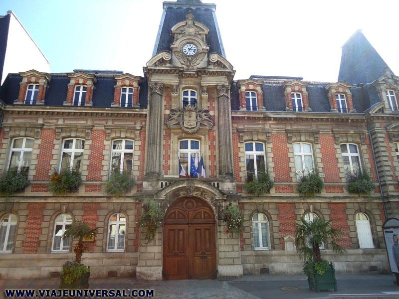 H tel de la ville de fontainebleau francia - Hotel fontainebleau piscine ...