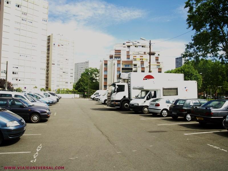 parking de autocaravanas en par s francia. Black Bedroom Furniture Sets. Home Design Ideas