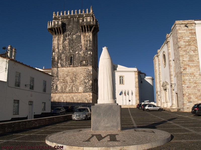 Estremoz Portugal  city images : Largo D. Dinis de Estremoz Portugal