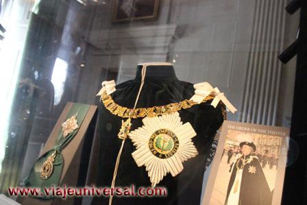 a2ef03c972ef Collar de la Orden del Cardo en el Palacio de Holyroodhouse de Edimburgo