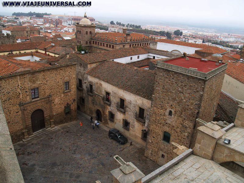 PLAZA DE SANTA MARIA EN LA CIUDAD DE CACERES, ESPAÑA