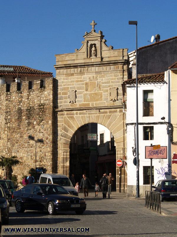 Puerta del sol de plasencia caceres espa a for Puerta del sol madrid mapa