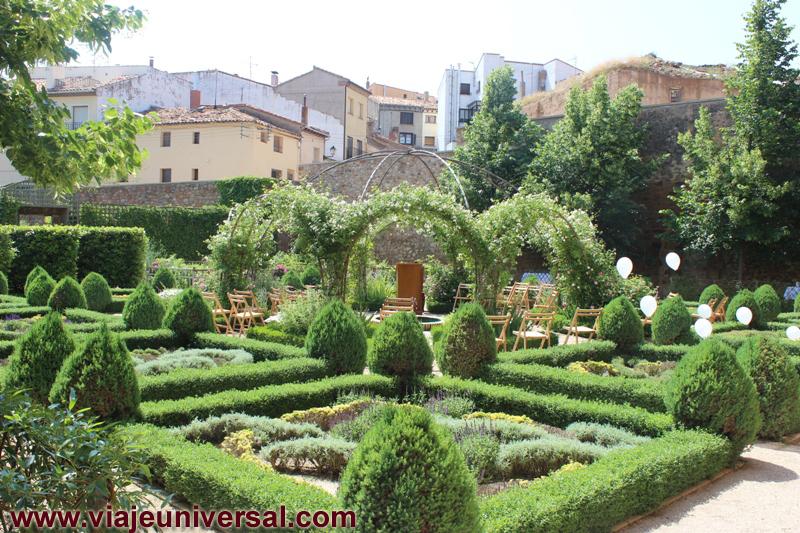 Jard n renacentista del palacio de los castejones de for Bazzel el jardin de los secretos